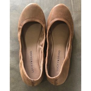 New partial tag tan leather Lucky Brand Flats 8.5